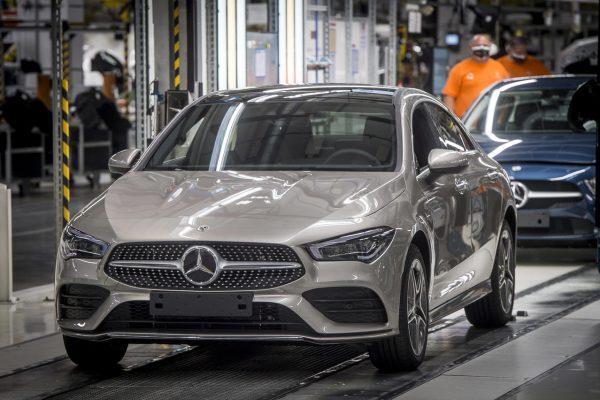 Megkezdõdik a hibrid autómodellek gyártása a kecskeméti Mer